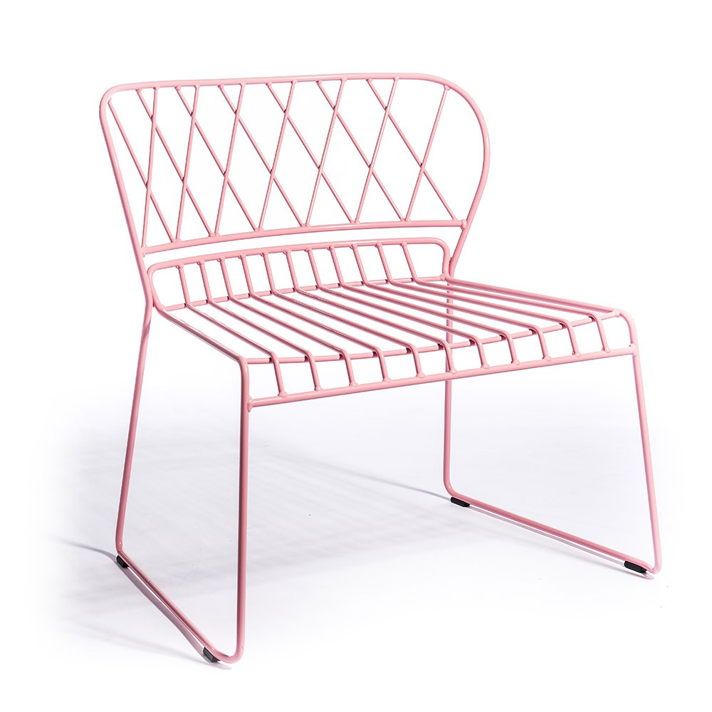Skargaarden - Reso Lounge Chair in Pink is a gorgeous piece if you're looking to achieve a Millennial Pink aesthetic. For more on this hot interior design and fashion trend, click on the blog post...