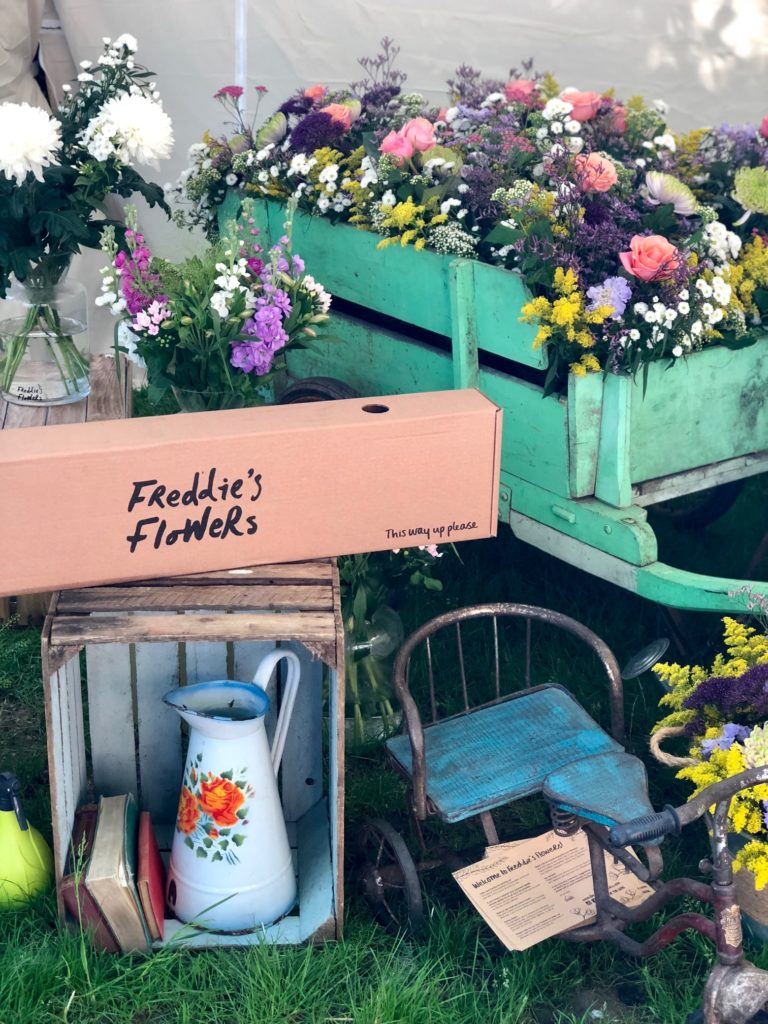 Chelsea Flower Show has always appealed to me. The immaculately curated prize gardens, artisan offerings and avant-garde displays complemented by a steady stream of elegant guests fashioned in florals.